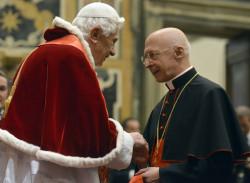 Il Papa con il card. Bagnasco