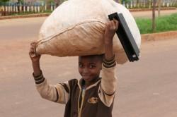 Anche numerosi bambini nei campi profughi di Khartoum