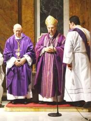 Il card. Paolo Romeo celebra nella chiesa di S. Maria Odigitria dei Siciliani, a Roma