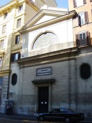 La facciata della chiesa di S. Maria Odigitria, in via del Tritone a Roma