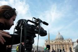 Anche i mass-media si preparano a seguire l'elezione del nuovo Papa
