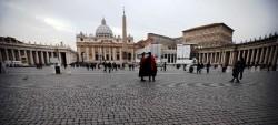 Piazza San Pietro quasi vuota