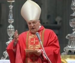 Il decano del collegio cardinalizio mons. Angelo Sodano