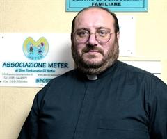"""Don Fortunato Di Noto, presidente dell'associazione """"Meter"""""""