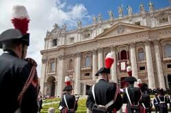 Piazza San Pietro il giorno di Pasqua