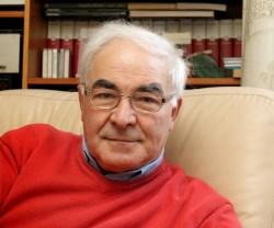 Il prof. Riccardo Petrella, economista politico