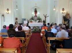 La cerimonia religiosa nella chiesa di San Rocco a Linguaglossa