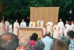 La celebrazione eucaristica presieduta dal Vescovo