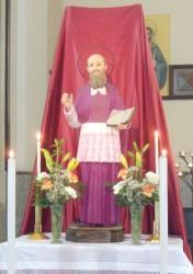La statua di san Francesco di Sales che si venera nella chiesa del Sacro Cuore di Acireale