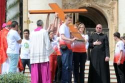 La croce della GMG passata nelle mani dei giovani polacchi