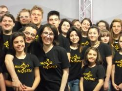 """Il gruppo """"Amodonostro gospel choir"""" di Bedizzole, in provincia di Brescia"""