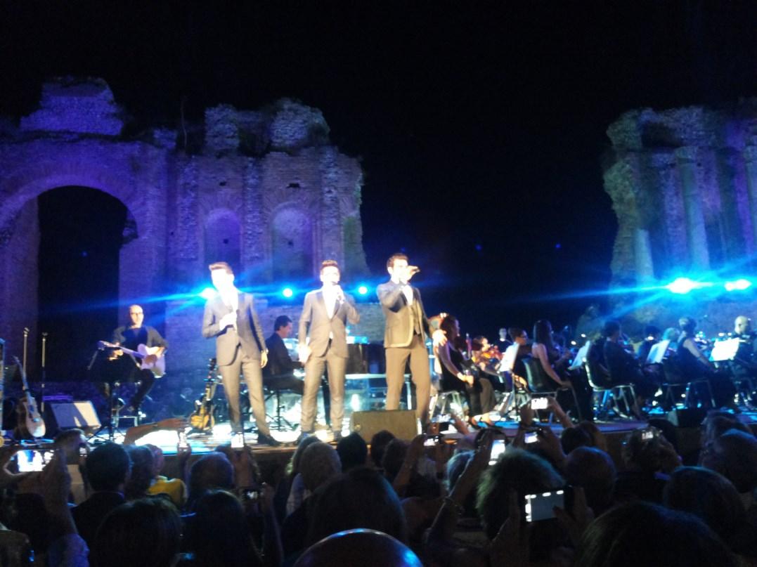 """Taormina/ """"Il volo"""" entusiasma al Teatro Antico. Ora Gianluca, Piero e Ignazio canteranno in giro per l'Italia"""