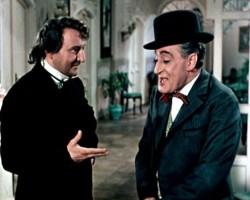 """Una scena del film """"Il medico dei pazzi"""" (1954, regia di M. Mattoli)"""