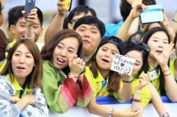 Papa Francesco incontra i giovani dell'Asia