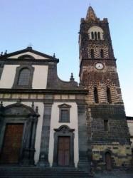 """La basilica di San Martino in Randazzo, dove, all'ombra del più bel campanile  di Sicilia, è custodito il """"Libro Rosso"""""""