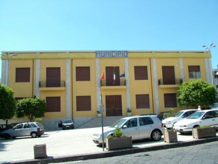 Santa Venerina / Stasera tornerà a riunirsi il Consiglio comunale: all'odg interrogazione sul trasporto scolastico
