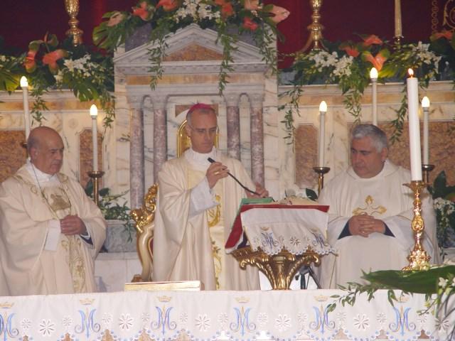 """Mascali / I 40 anni di sacerdozio del parroco don Rosario Di Bella: """"La condivisione del buon Pastore"""""""