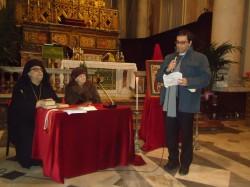 Don Santo Leonardi introduce l'incontro