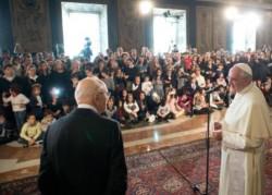 Un'altra immagine di Napolitano con Papa Francesco