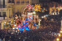 Un carro del Carnevale 2008 ( foto Consoli)