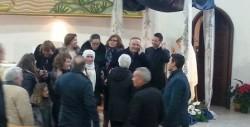 Mons. Francesco Montenegro con un gruppo di fedeli poco dopo avere ricevuto la notizia della sua nomina a cardinale