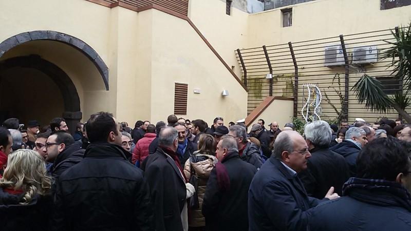 Solidarietà dei cittadini oggi al Palazzo del Turismo