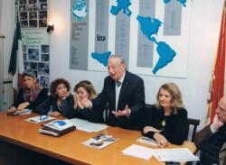 Il presidente di Sicilia Mondo, avv. Domenico Azzia  durante un incontro nella sede dell'associazione