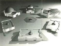 Il progetto della piazza con una chiesa, una sinagoga e una moschea