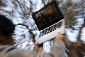 Scuola / Web e rischi, da un'indagine sui comportamenti dei teenager: dare una sveglia ai genitori