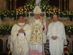 Da sin. don Alfredo D'Anna e il vescovo mons. Antonino Raspanti