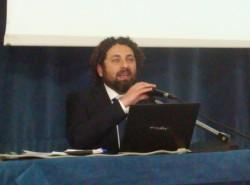 Il dott. Gabriele Spina illustra il nuovo sistema di accoglienza dei rifugiati politici