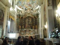L'interno della chiesa di S. Camillo
