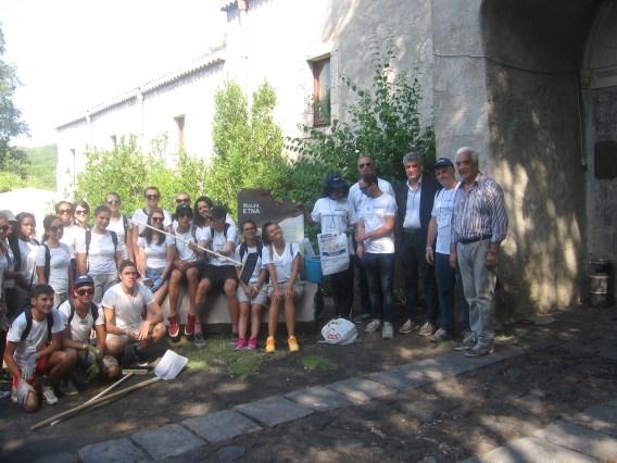 """Parco dell'Etna / La giornata """"particolare"""" dei ragazzi dello """"Youth camp"""" nel centenario del Kiwanis"""