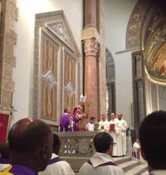 Mons. Antonino Raspanti durante la cerimonia