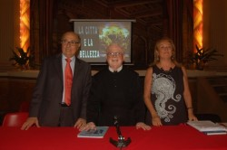 Da sin: il prof. Alfonso Sciacca, padre Alfio Cantarella e la prof.ssa Maria Teresa Di Blasi