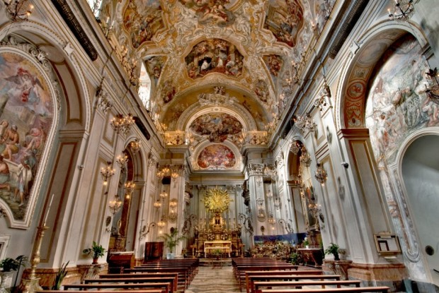 Luoghi della fede 5 / Il monastero delle Benedettine nel cuore di Catania: preghiera e lavoro per magnificare il Signore