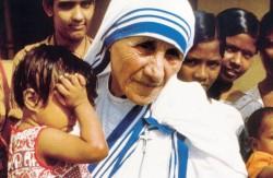 10-Madre-Teresa-con-bambino-755x491