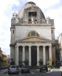La chiesa di San Michele nell'omonima piazza di Acireale