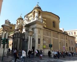 La chiesa di Sant'Anna, al confine tra il Vaticano e lo stato italiano