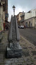 Un'altra statua in via Roma