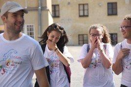 Ai bordi della cronaca / Oltre quella notizia. Monaco, Giffoni, Cracovia: i giovani e i media