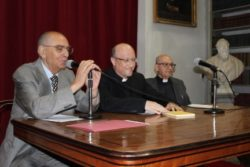 Da sx: Il dott. Giuseppe Contarino, mons. Guglielmo Giombanco e il can. Salvatore Pappalardo