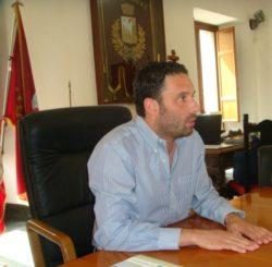 corretto sindaco Barbagallo (591 x 579) (443 x 434)