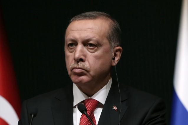 """Quotidiano / La vendetta del presidente Erdogan e quel """"noi fuori e gli altri dentro"""" che vale 6 miliardi di euro"""