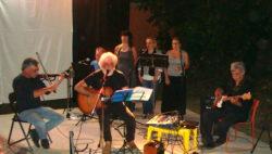 Il maestro Gesuele Sciacca con la sua band