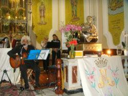 """Gesuele Sciacca canta la """"Salve Regina"""" di Sant'Annibale Maria di Francia accanto al suo busto reliquiario"""
