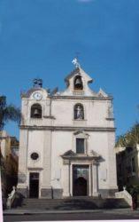 la-facciata-della-chiesa