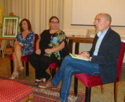 """Un momento della presentazione al """"Costarelli"""". Da sinistra: Gabriella Puleo, Paola Marchese e Marcello Proietto"""