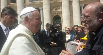 Don Di Noto con Papa Francesco