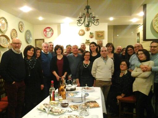 Festival di Sanremo / Un gruppo di veri, grandi amici catenoti da 22 anni vive insieme la serata finale